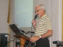 Para Paulo Cezar do grupo Logos, a música cristã não pode abrir mão do conteúdo bíblico.
