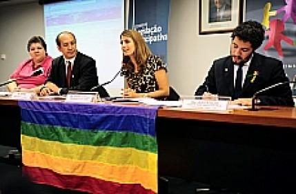 Seminário discutiu propostas do movimento LGBT para o Plano Nacional de Educação.