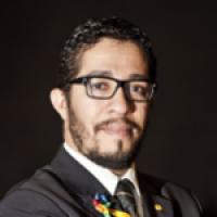 Jean Wyllys - e-mail:  jeanwyllyscc@hotmail.com - Jornalista e linguista, é deputado federal pelo PSOL-RJ e integrante da frente parlamentar em defesa dos direitos LGBT.