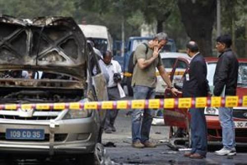 Em Nova Delhi, atacou o carro diplomático foi destruído. Foto: AP