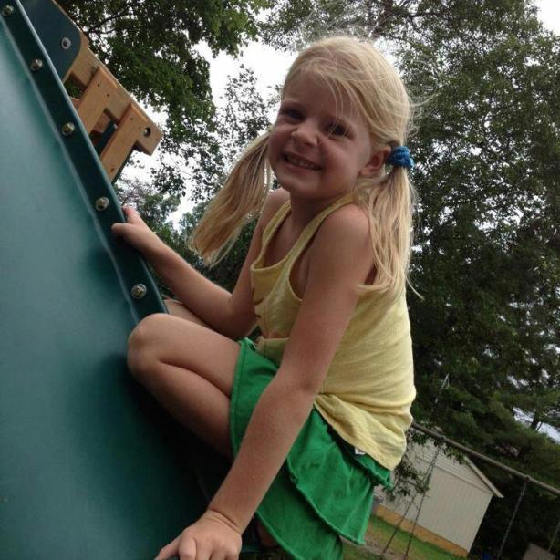 Esta é Victoria, a sobrinha-neta do nosso amigo Joel Beeke. Ela foi atacada por Rottweilers. Já passou por várias cirurgias.