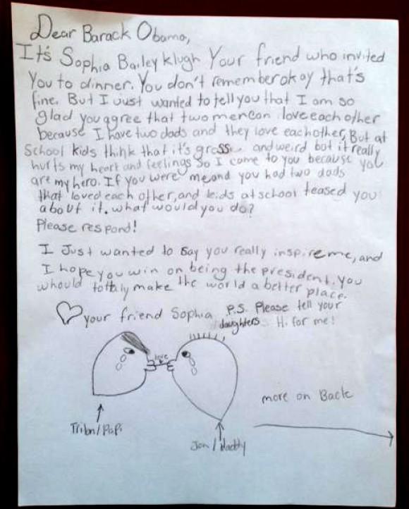 A americana Sophia Bailey, de 10 anos, tem dois pais e sofre bullying na escola por isso.