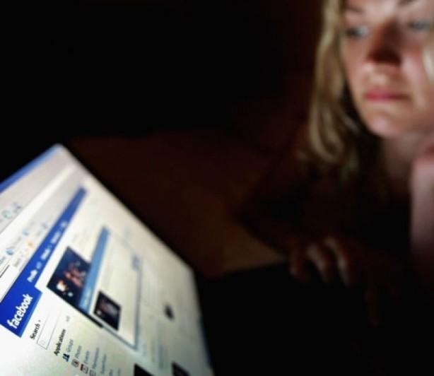 'Facebook faz mal' - Garotas que usam Facebook têm maior tendência a distúrbios alimentares
